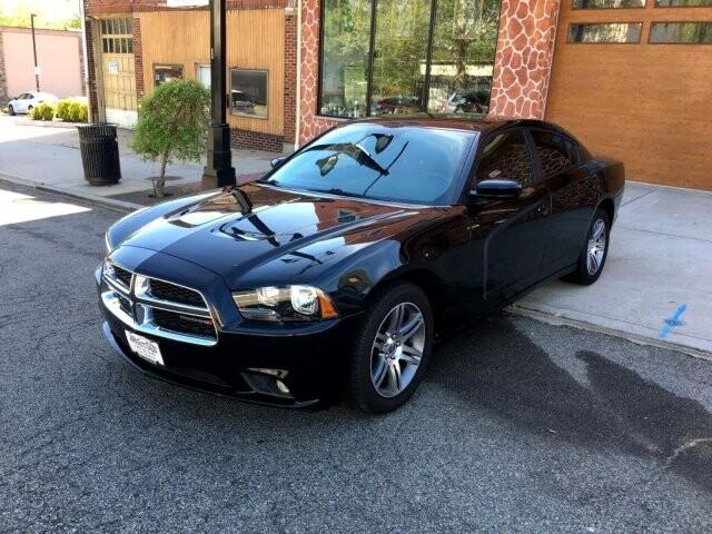 2013 Dodge Charger in Belleville, NJ 07109-2923