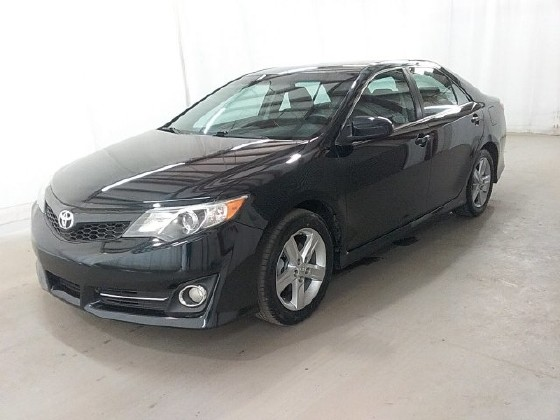 2013 Toyota Camry in Lawrenceville, GA 30043 - 1539609