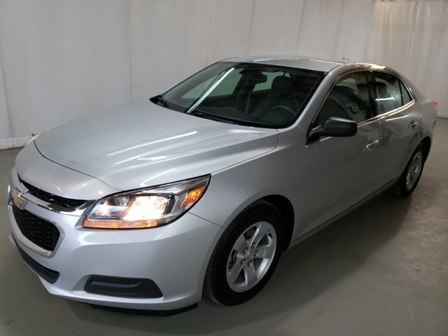 2016 Chevrolet Malibu in Lawrenceville, GA 30043