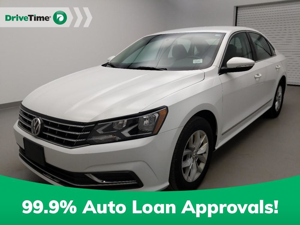 2017 Volkswagen Passat in Louisville, KY 40258-1407
