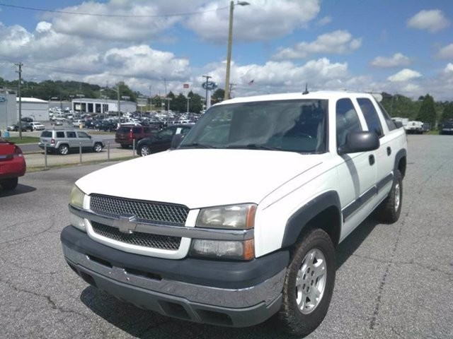 2004 Chevrolet Avalanche in Hickory, NC 28602-5144