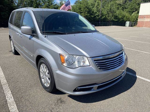 2013 Chrysler Town & Country in Cumming, GA 30040