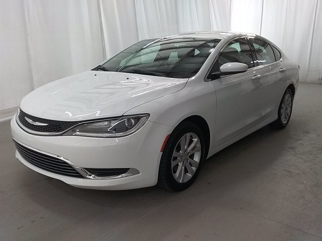 2015 Chrysler 200 in Lawrenceville, GA 30043