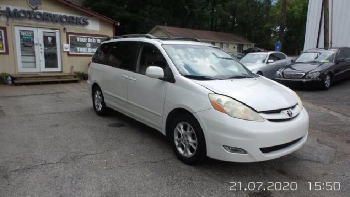 2006 Toyota Sienna in Roswell, GA 30075 - 1664825