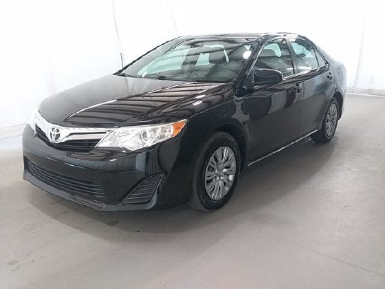2014 Toyota Camry in Lawrenceville, GA 30043 - 1667192