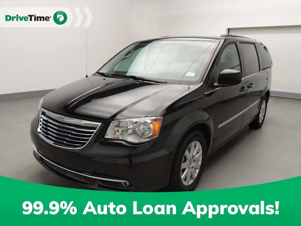 2016 Chrysler Town & Country in Duluth, GA 30096-4646