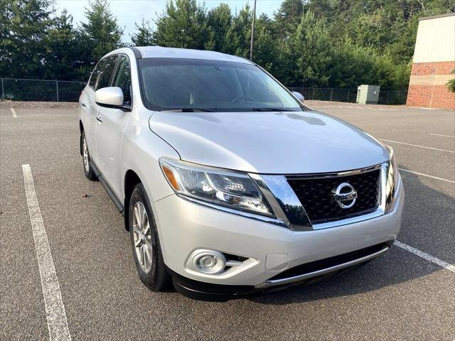 2013 Nissan Pathfinder in Cumming, GA 30040