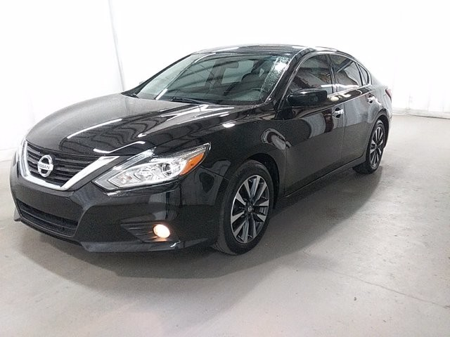 2017 Nissan Altima in Lawrenceville, GA 30043