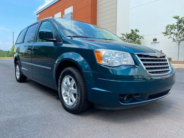 2009 Chrysler Town & Country in Buford, GA 30518