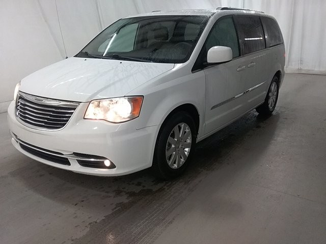 2015 Chrysler Town & Country in Lawrenceville, GA 30043