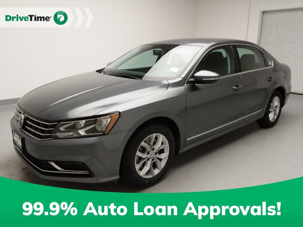 2017 Volkswagen Passat in Downey, CA 90241