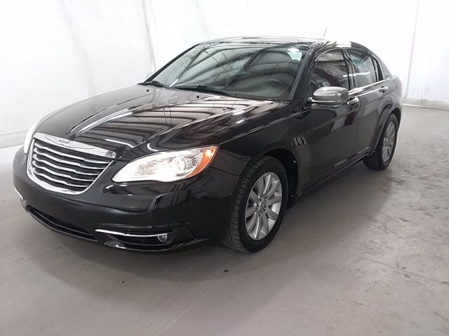 2013 Chrysler 200 in Lawrenceville, GA 30043