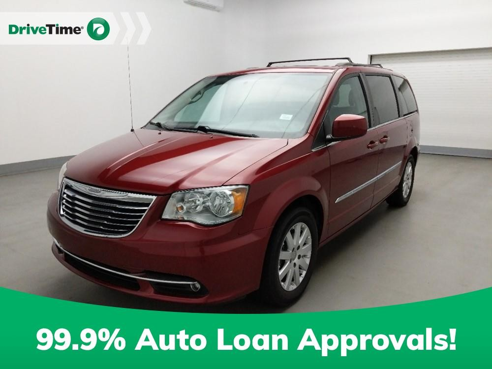 2016 Chrysler Town & Country in Stone Mountain, GA 30083-3215