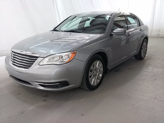 2014 Chrysler 200 in Lawrenceville, GA 30043