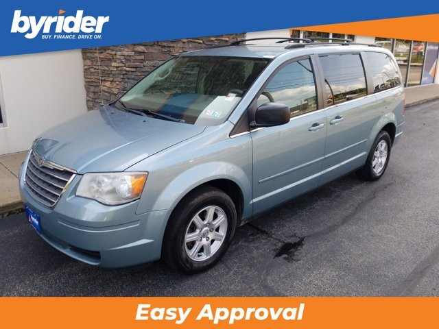 2010 Chrysler Town & Country in Monroeville, PA 15146