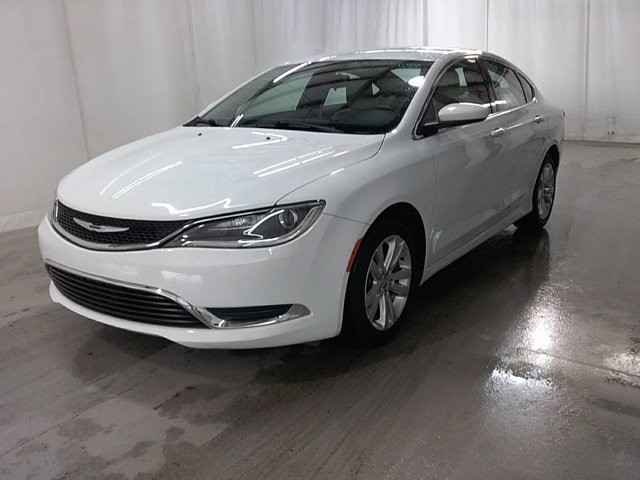 2015 Chrysler 200 in Lawrenceville, GA 30043