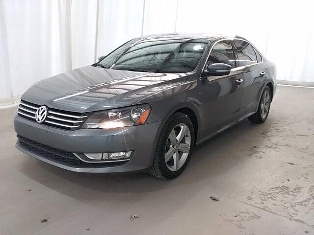 2015 Volkswagen Passat in Lawrenceville, GA 30043