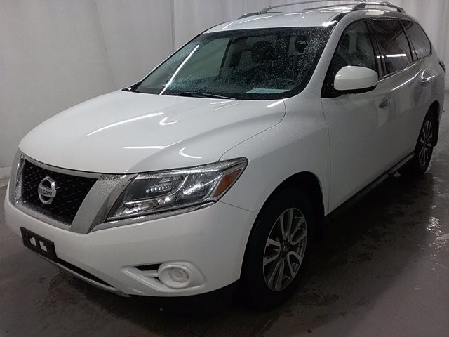 2013 Nissan Pathfinder in Lawrenceville, GA 30043