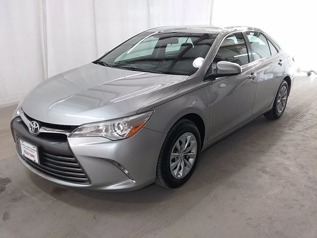 2016 Toyota Camry in Snellville, GA 30078