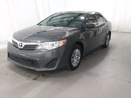 2014 Toyota Camry in Lithia Springs, GA 30122 - 1705373
