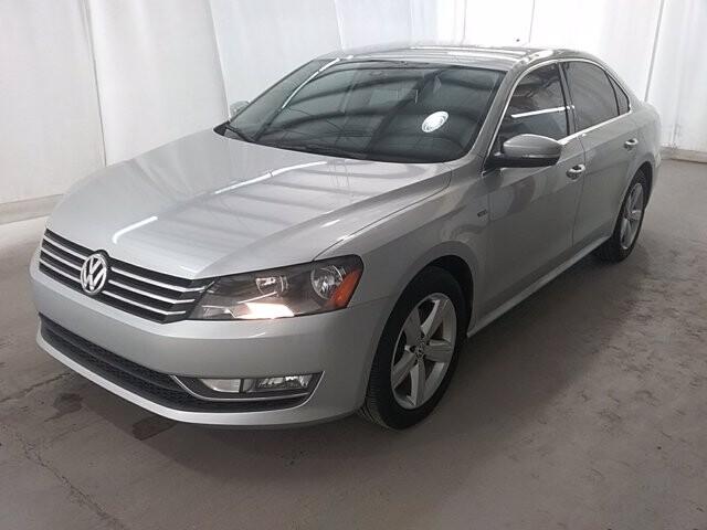 2015 Volkswagen Passat in Jonesboro, GA 30236