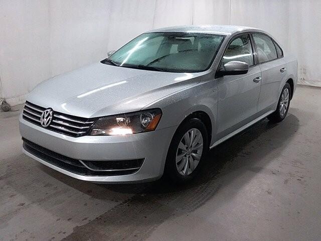 2015 Volkswagen Passat in Stone Mountain, GA 30083