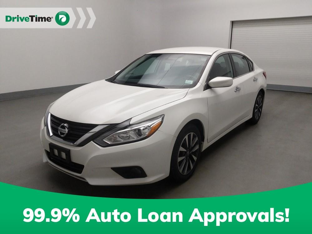 2017 Nissan Altima in Duluth, GA 30096-4646