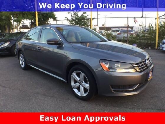 2013 Volkswagen Passat in Cicero, IL 60804 - 1714335