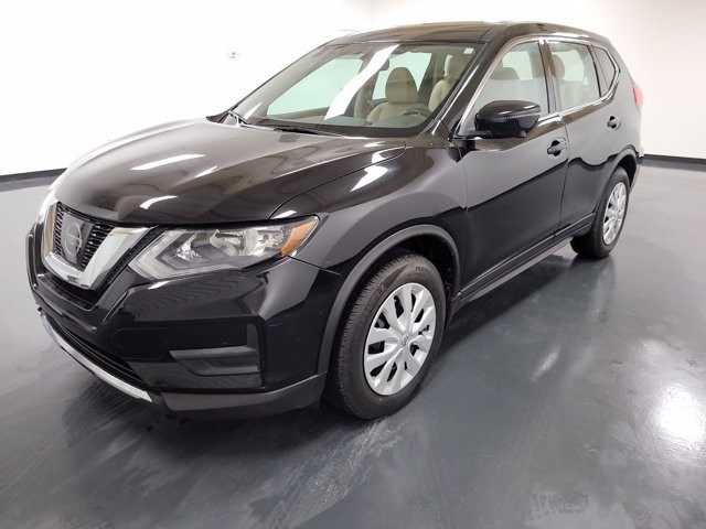 2017 Nissan Rogue in Stone Mountain, GA 30083