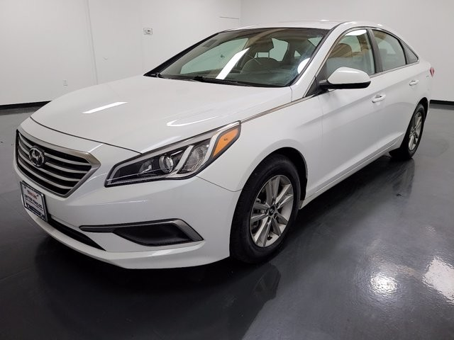 2016 Hyundai Sonata in Union City, GA 30291
