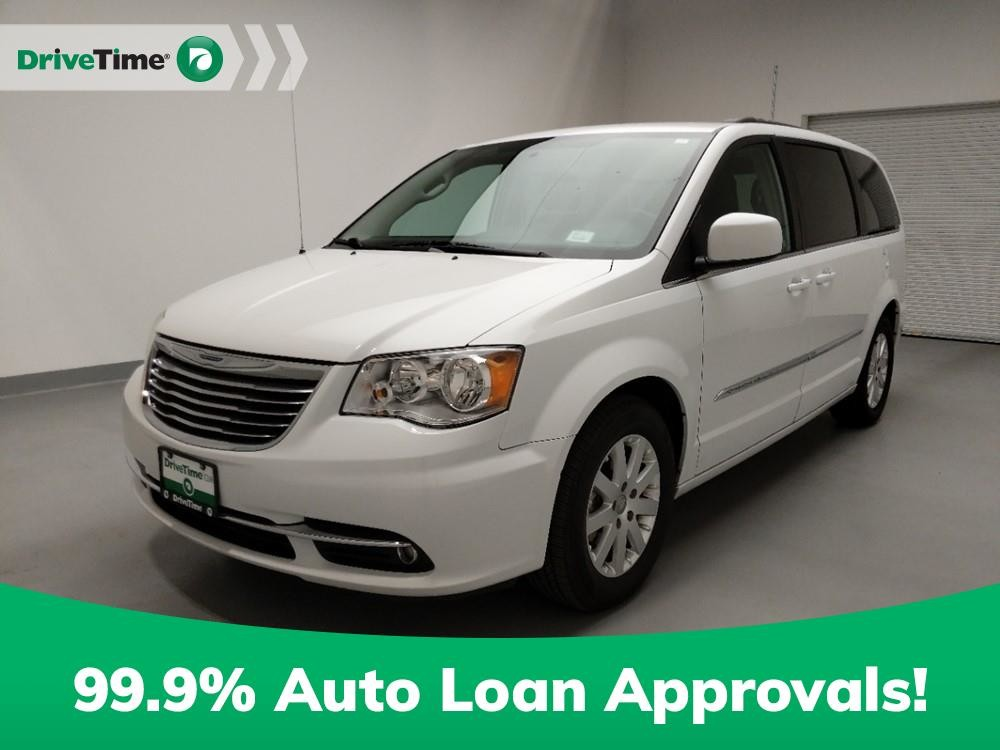 2016 Chrysler Town & Country in Downey, CA 90241