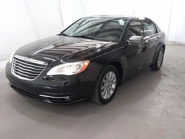 2013 Chrysler 200 in Union City, GA 30291