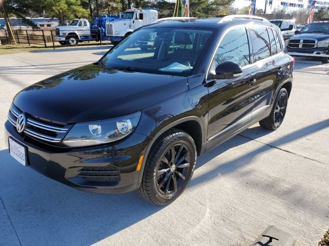 2017 Volkswagen Tiguan in Livingston, TX 77351