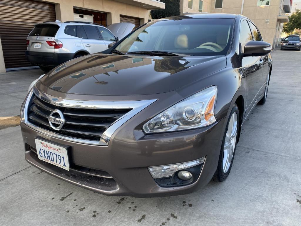 2013 Nissan Altima in Pasadena, CA 91107