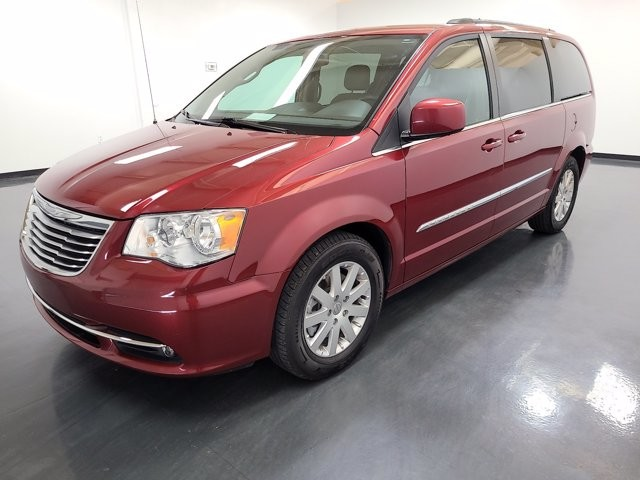2015 Chrysler Town & Country in Charlotte, NC 28273