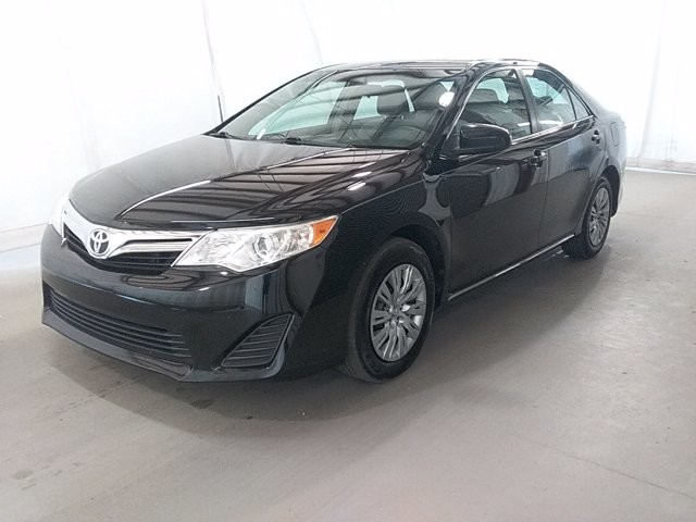 2014 Toyota Camry in Snellville, GA 30078