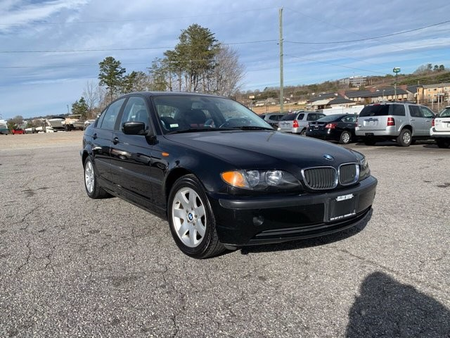2005 BMW 325i in Hickory, NC 28602-5144