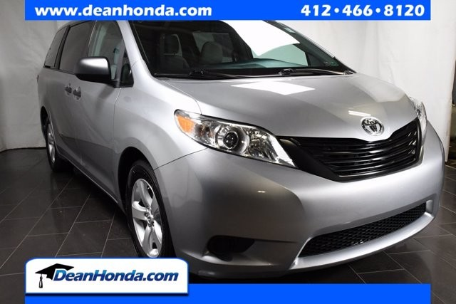 2017 Toyota Sienna in Pittsburgh, PA 15236
