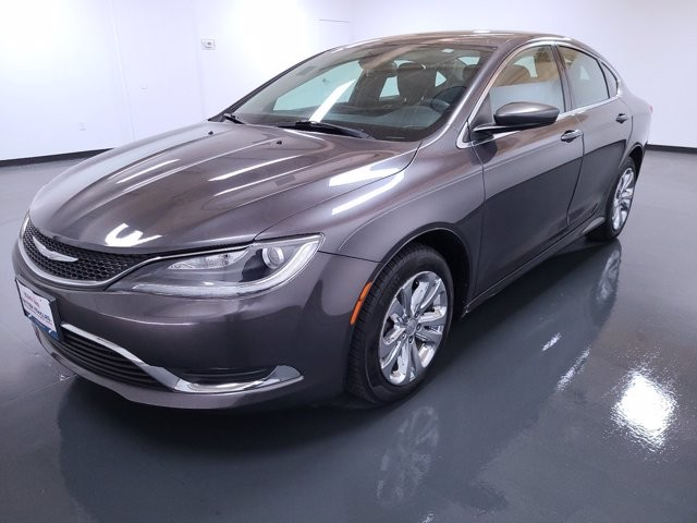 2015 Chrysler 200 in Lawreenceville, GA 30043