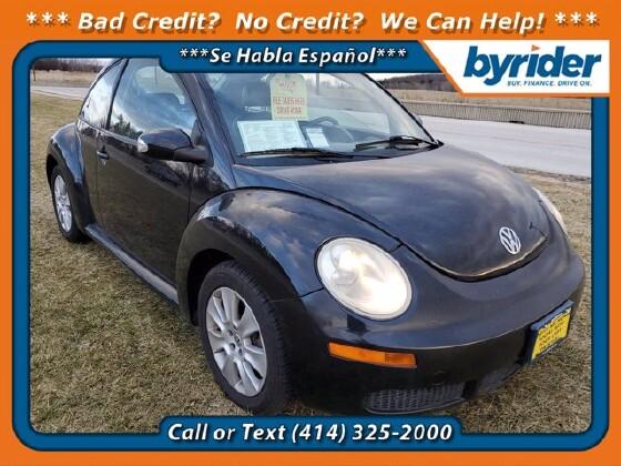 2008 Volkswagen Beetle in Milwaukee, WI 53221 - 1830763