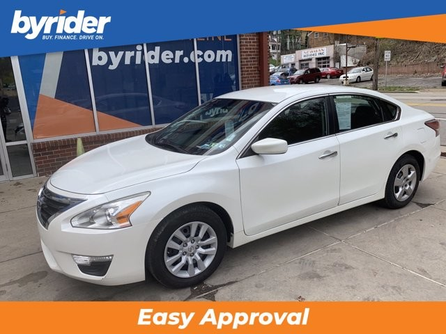 2015 Nissan Altima in Pittsburgh, PA 15237