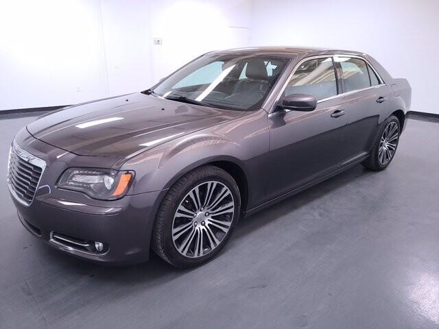2013 Chrysler 300 in Union City, GA 30291