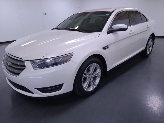 2016 Ford Taurus in Stone Mountain, GA 30083