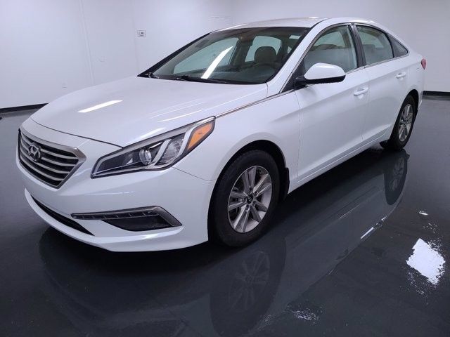 2015 Hyundai Sonata in Union City, GA 30291