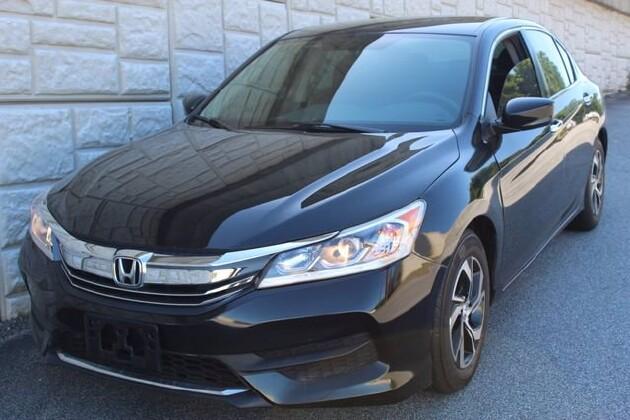 2016 Honda Accord in Decatur, GA 30032 - 1844377