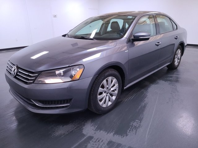 2015 Volkswagen Passat in Union City, GA 30291