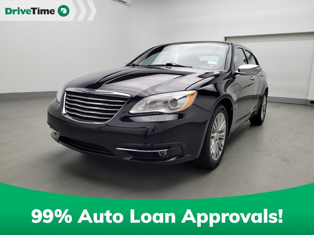 2013 Chrysler 200 in Morrow, GA 30260