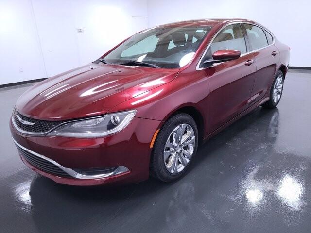2015 Chrysler 200 in Union City, GA 30291