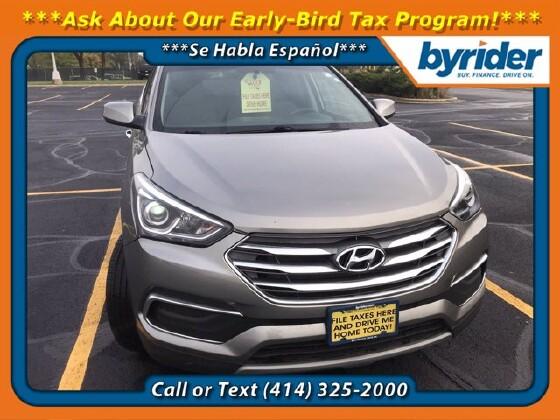2018 Hyundai Santa Fe in Milwaukee, WI 53221 - 1890715
