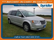 2008 Chrysler Town & Country in Waukesha, WI 53186